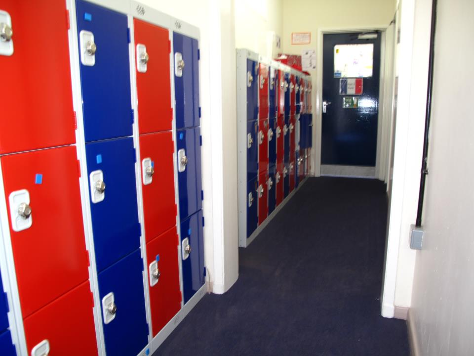 Low Lockers in Red and Blue for Elland Junior School