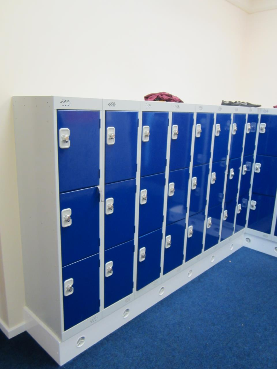 Low Lockers at Thornhill School, West Yorkshire