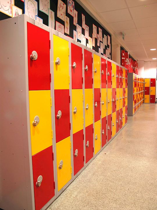 1370H Lockers at Paddock School